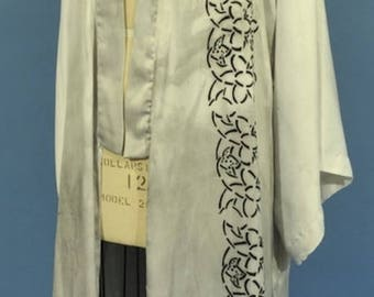 Silky Handprinted Kimono Robe