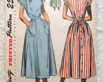 """Vintage 40s One Piece Dress or House Dress. Simplicity 2476 Sewing Pattern . Size 16 Bust 34"""""""