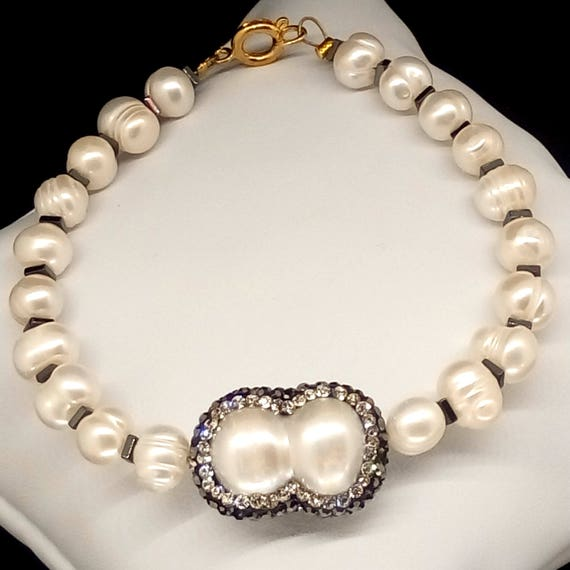 Pearl bracelet, fresh water pearl bracelet, double pearl motif with pave rhinestone crystals, bridesmaid bracelet, natural pearl bracelet