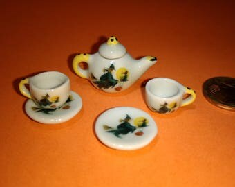 Dolls house miniature  Witch ceramic tea pot & a pair of cups with saucers