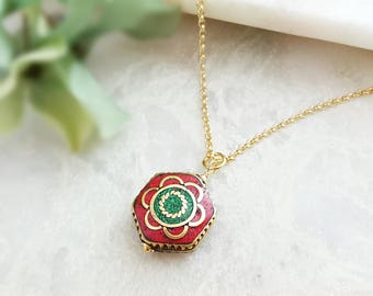 Red Coral Necklace ~ Green Malachite Necklace ~ Mosaic Necklace ~ Nepal Jewelry ~ Nepalese Necklace ~ Artsy Necklace ~ Green and Red N1341