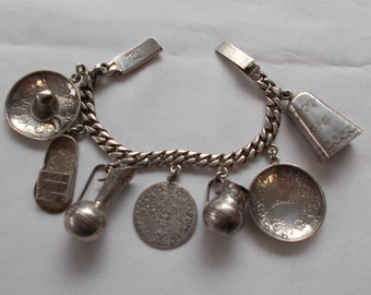 Vintage Sterling Silver Mexican Made Charm Bracelet.  (727)