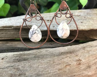Hammered Copper Drop Earrings with Natural Howlite Briolettes