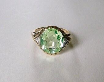 Art deco retro two tone 10k gold vaseline uranium glass diamond accent filigree ring size 6.5