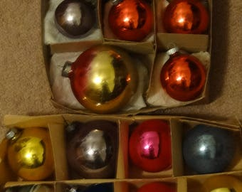 Group of Twenty Three Vintage 1950's Christmas Ornaments, Some Shiny Brite