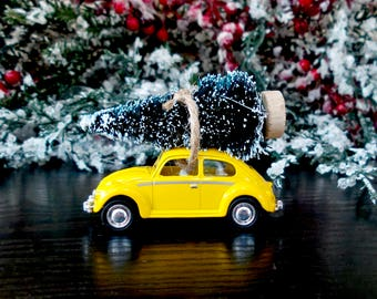 Retro Holiday Magnet - Volkswagen VW 1967 Die Cast Beetle Bug with Christmas Tree on top - Perfect for the Refrigerator, Memo Boards, Gifts