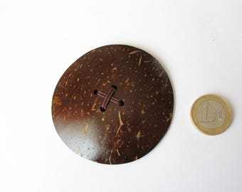 Very large round 7cm Brown coconut button