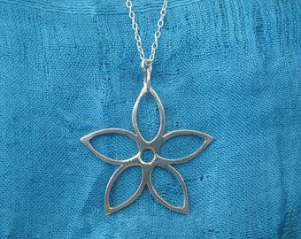 Solid Silver Large Daisy Pendant Necklace on fine silver chain