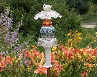 Calico Garden Stake with Swan