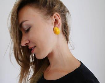 Retro Mustard Yellow Oval Stud Earrings