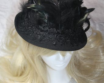 Hat-hat with lace border
