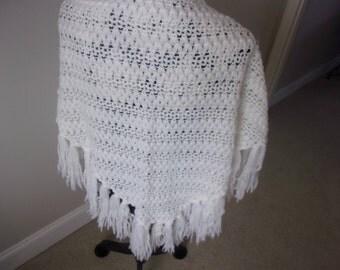 Vintage hand crocheted ladies shawl with fringe