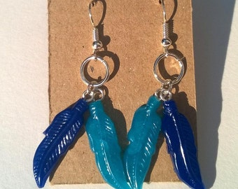 Colorful dangle earrings - feather Duo