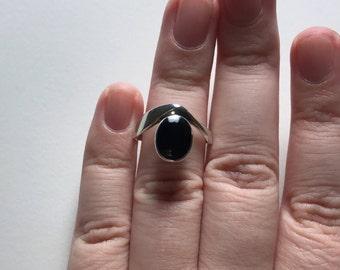Vintage Avant Garde Design Black Onyx 925 Sterling Silver Ring