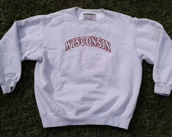Vintage University of Wisconsin - Madison Badgers crew-neck sweatshirt Made in USA by Champion large