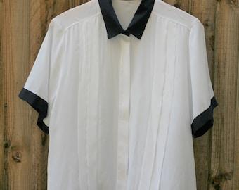 Vintage nautical shirt Navy White Size Medium (10-12)