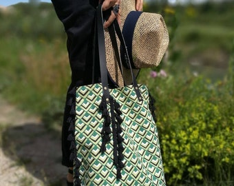 "Tote Crossbody bag ""Spring"" - - Green/Black - graphic printed cotton canvas H40xL35 (bottom) (top) L31 xl15 cm"