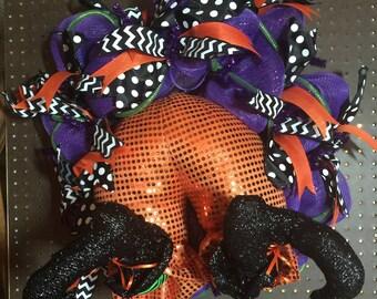 Halloween Wreath, Witch Halloween Wreath,  Witches Butt Halloween Decor, Mesh Wreath, Front Door Wreath, Fall Decor
