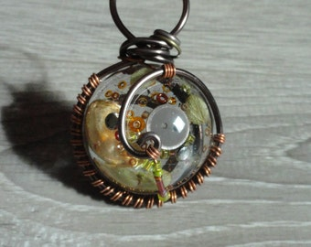 Pendant-wire-wrapped button - pumpkin - seed holder happiness-style fairy-wire wrapped