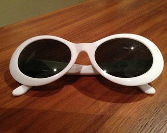 Vintage 1960s Ladies Mod Sunglasses