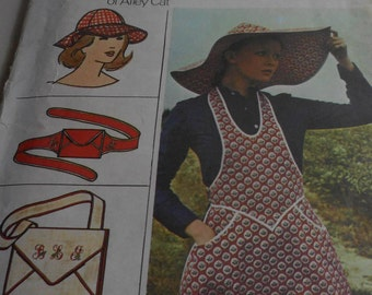 Vintage 1970's Butterick 3550 Betsey Johnson Apron, Hats, Bag and Belt Sewing Pattern, Size Small or Size Medium