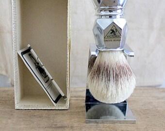 Vintage NOS Victoria Dachs-Borste (Badger Bristle) Shaving Brush And Drip Stand Set Original Box