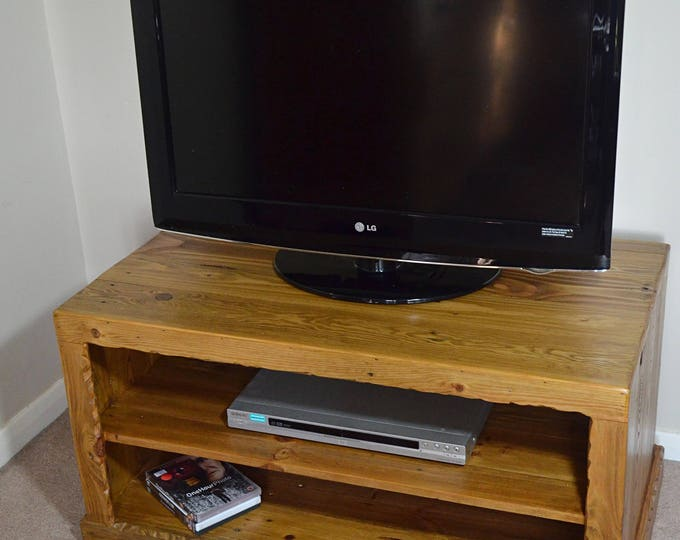 FREE UK SHIPPING Rustic Country Cottage Reclaimed Wood Tv Unit 100 cm W x 55 cm D x 50 cm H Medium Oak Stain with Decorative Rustic Edging