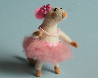 Needle felted tiny mouse ballerina. Mouse in pink dress. Birthday gift. Miniature mice. Felting dreams. Ornament,  Gift for her