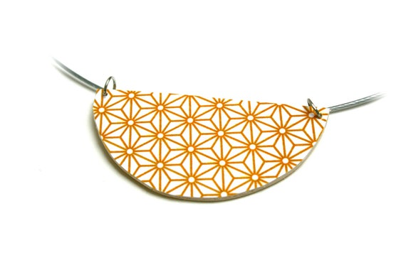Necklace brown yellow curry Asanoha geometric Japanese stars, cable wire Choker