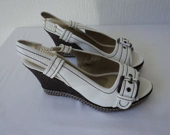 Reduced - Vintage white and brown wedge peep toe slip on shoes size EU 40 (05651)