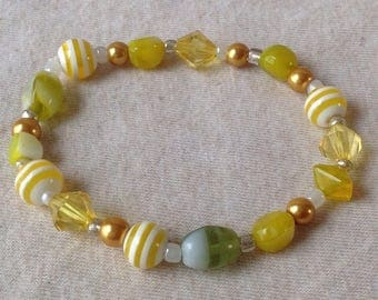 Yellow and gold beaded bracelet