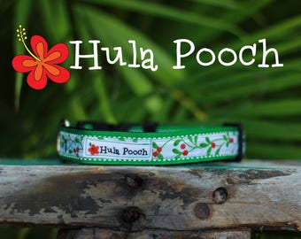 "Christmas Dog Collar / Holiday Dog Collar:  ""Holly"" Small, Medium, Adjustable // FREE SHIPPING"