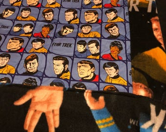 Star Trek faces blanket