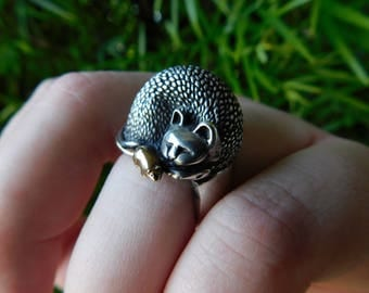 James Yesberger cat mouse ring.  Sterling silver and 18kt gold mouse rare, solid, heavy vintage beautiful.