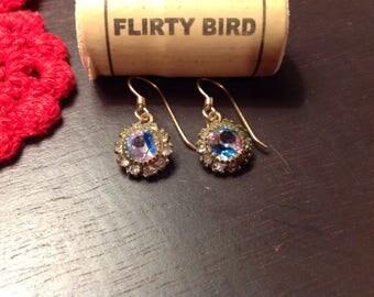 Crystal -like elegant earrings