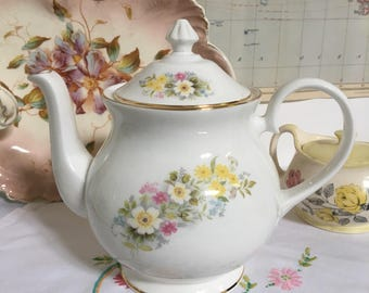 Perfect Vintage Bone China 2-Pint Floral Teapot by Marlborough