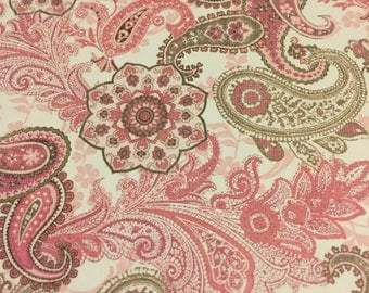 Traditional Pink & Gray Paisley, Light switch covers,light switch plate,outlet covers,outlet plates,home decor, wall art