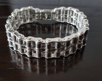 Men .925 sterling silver thick and heavy biker chain link bracelet.