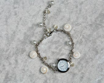 "Watch ""eye of Saint Lucia"" beads and white"