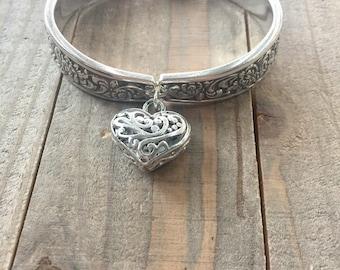 spoon bracelet, tangier bracelet, silverware bracelet, spoon jewelry, silverware jewelry, 1969 bracelet, flower bracelet, magnetic clasp