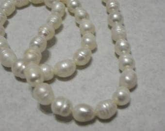 set 42 Baroque natural of 8-9 mm cultured white pearls for earrings baroque bead