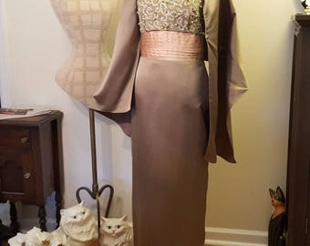 Evening Gown/Mother-of-the-Bride/Sophisticated Prom Dress/Gown Size 8