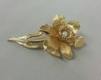 Faux Pearl D'orlan Flower Brooch