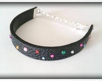 Grained leather _ multicolored rhinestone bracelet