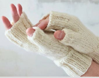 Personalized gift mittens Knit gift sister Hand knit mittens Knitted mittens Wool mittens Chunky Winter mittens Fingerless gloves women
