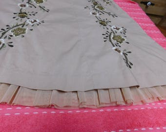 Vintage  Embroidered Skirt with Ruffle - Size 8