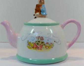 Beatrix Potter Peter Rabbit teapot, Peter Rabbit teapot collectible, rabbit teapot, vintage Peter the Rabbit teapot collectible
