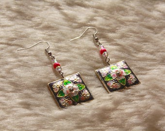 Gray & Pink Floral Beaded Earrings