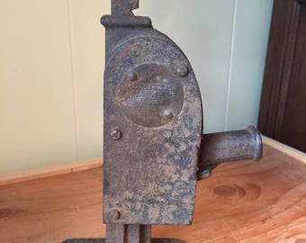 Antique Walker MFG. Co. 3/4 Ton Jack