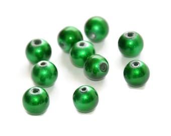 10 green beads, shiny glass 8mm